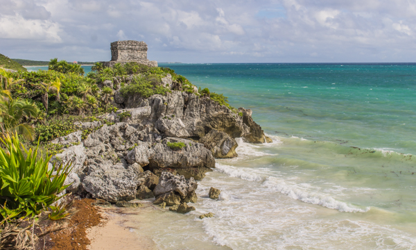 The Tulum ruins on the beach. Not a bad location, you think? Those Mayans sure could pick the spots.