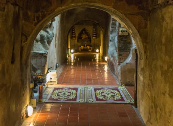 Meditation cave at Wat Umong.