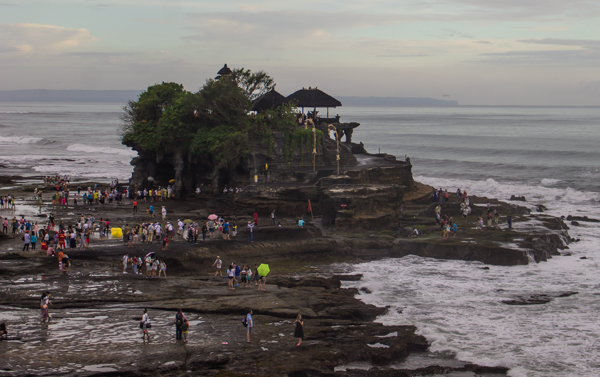 Crowds at Tanah Lot.